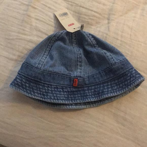 068db308a NWT Levi's panel bucket hat